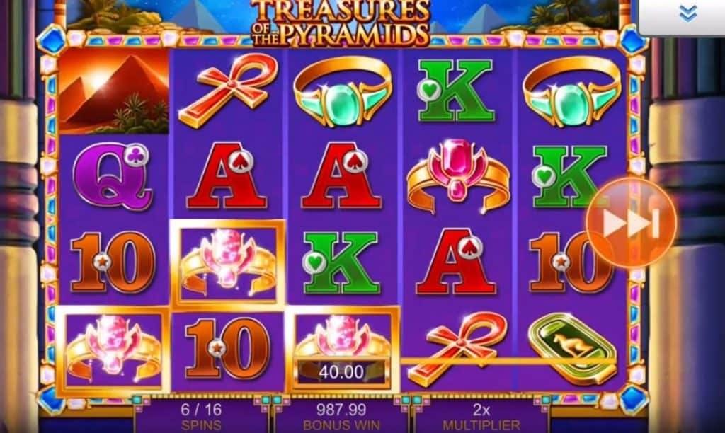 Oltre al gioco normale, a Treasures of the Pyramids hai la possibilità di vincere delle partite bonus
